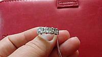 Серебряное женское кольцо с фианитами
