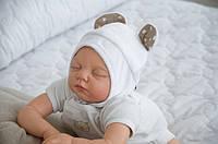 """Детская шапочка для новорожденного """"Мишка"""" белая (шапочка с ушками) ТМ MagBaby 102920"""