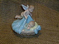 Сладких снов - декоративная фарфоровая статуэтка ребенка с ангелом Pavone CMS - 27/11 9,5х10 см