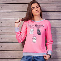 Стильный женский джемпер розового цвета с принтом