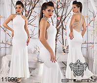 Шикарное вечернее платье в пол с открытыми плечами декор камни белое