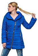 Стеганная зимняя куртка с интересным фасоном.