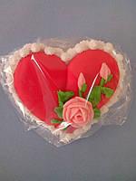 Сахарное сердце с веточкой розы. (код 01491)