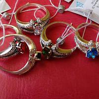 Серебряное женское кольцо с цветными фианитами