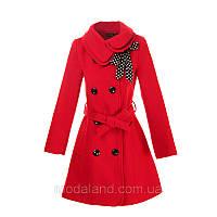 Женское стильное весеннее пальто.