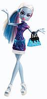 Monster High Basic Travel Abbey Bominable (Эбби Боминейбл Скариж город страхов)