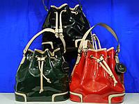 женская лаковая  сумочка-рюкзак