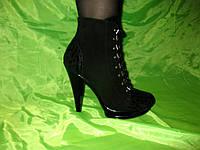 Ботинки на шнурке высокий каблук