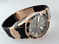 Женские часы - Ulysse Nardin -  на черном каучуковом ремешке с вращающимся безелем, цвет золото