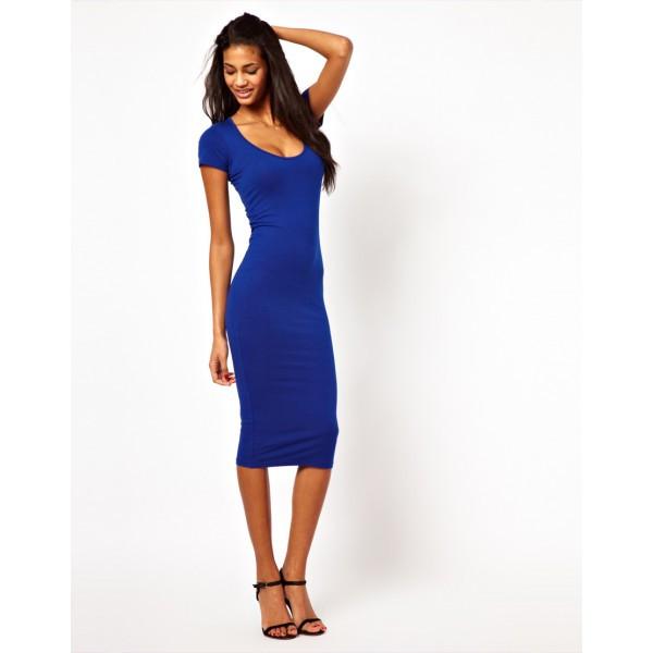 Платье с коротким рукавом ниже колена