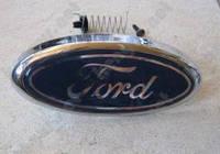Значок передний на Ford Focus