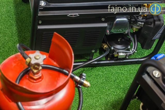 Комбинированый генератор газ бензин Hyundai HHY 3000 FG