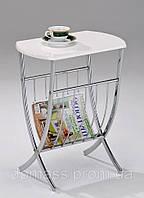Кофейный столик с газетчицей