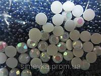 Полубусина (половинка жемчуг)  6 мм белая перламутровая, 30 шт./уп. Рифлёная с радужным переливом