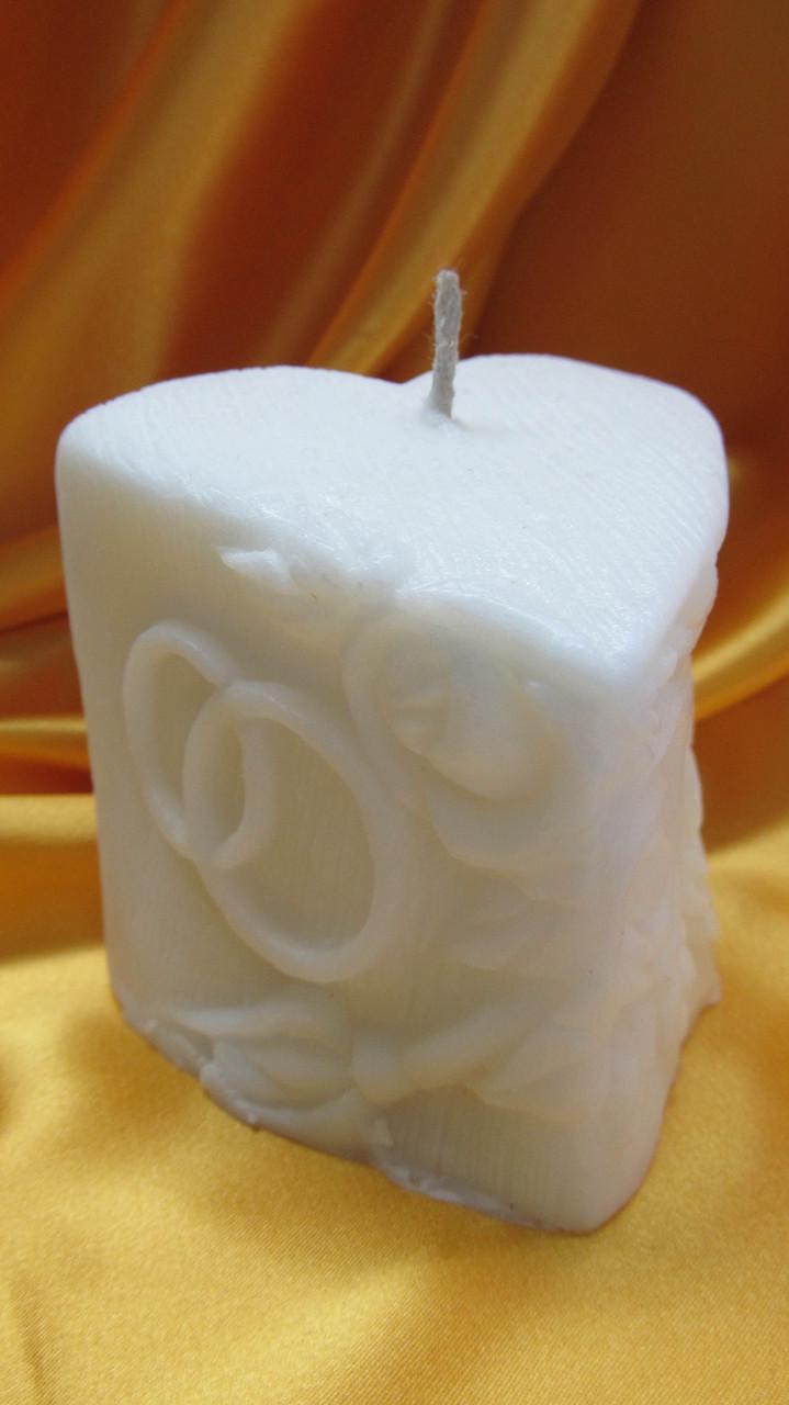 Свадебная свеча семейный очаг. Сердечко с кольцами белое