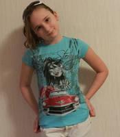 Летняя футболка Benini с модным принтом девушка и авто для девочки - подростка