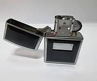 ЗажигалкаZIPPO(355)серебристая, с чёрной накладкой, глянец