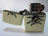 Зажигалка ZIPPO (28032) слоновой кости(молочный), матовая, рисунок-паук тарантул
