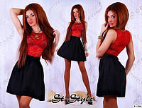 Трикотажное короткое платье с гипюром