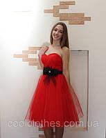 Нарядное красивое красное платье