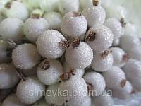 Тычинки курупные (ягоды сахарные) белые, соцветие из 40 ягод, диаметр ягоды 12мм, длина проволоки 12см