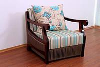 Мягкое кресло с деревянными подлокотниками Франк