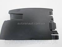 Защита под задний бампер (справа) на Рено Трафик 01-> Renault (оригинал)  8200066884