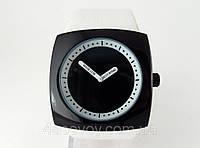 Часы унисекс Alberto Kavalli в стиле  ISSEY MIYAKE черный корпус белый ремешок
