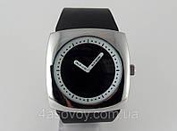 Часы  Alberto Kavalli в стиле  ISSEY MIYAKE серебрисый корпус черный ремешок