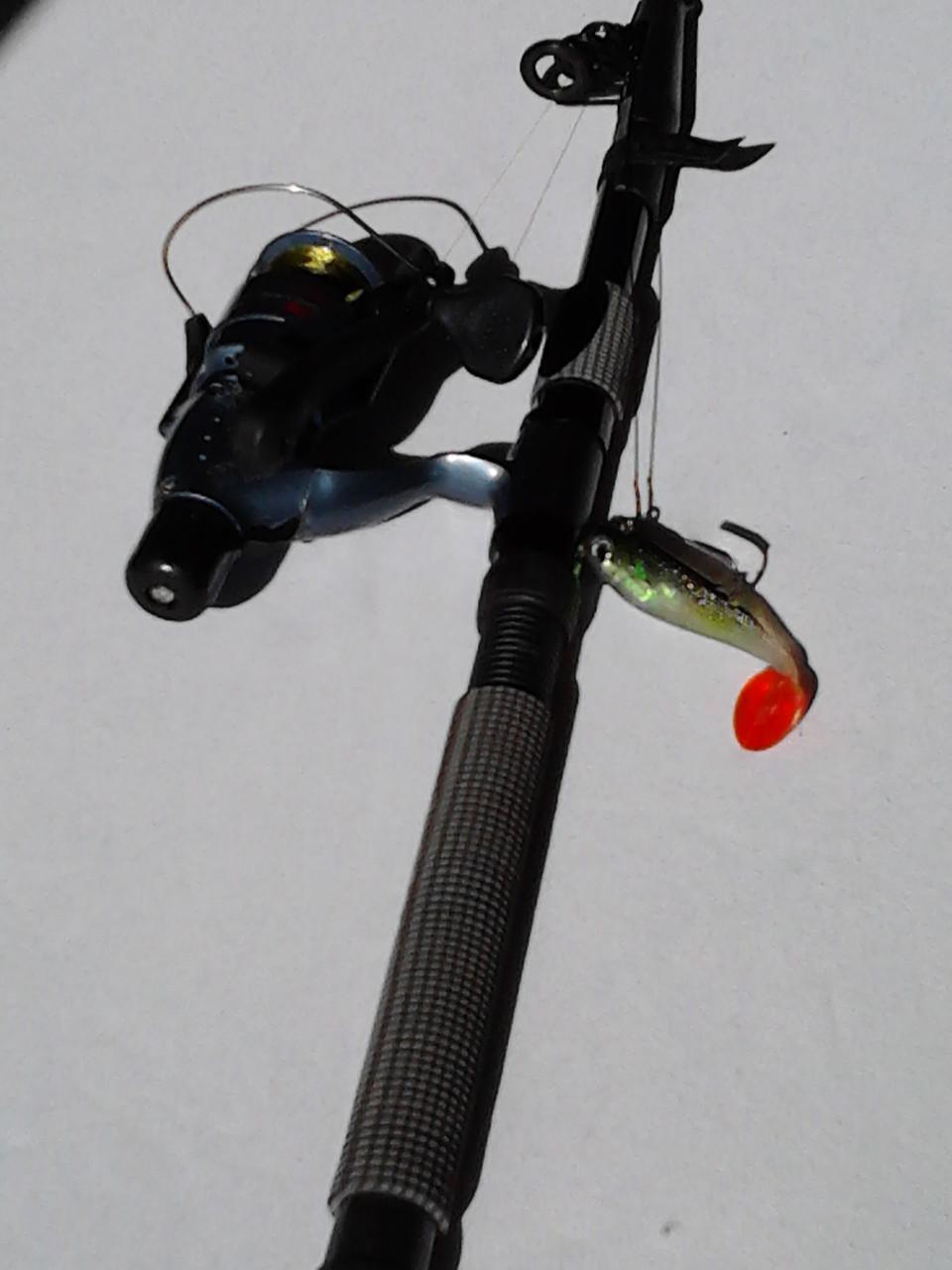 Подарок для рыбака спиннинг
