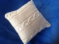 Диванная вязанная подушка ручной работы
