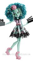 Кукла монстер хай Хани Свомп из серии Страх камера мотор.