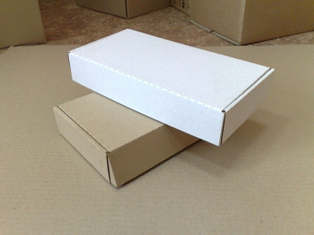 гофра коробки белые
