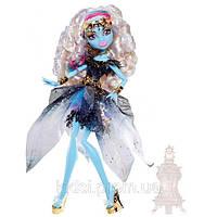 Кукла  Монстер хай Эбби Боминейбл 13 желаний (Monster High 13 Wishes Abbey Bominable )