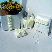 Свадебный набор аксессуаров с розами цвета айвори: корзинка, подушечка, книга пожеланий, ручка