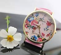 Женские часы с цветочным принтом