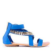Высокие голубые сандалии с модным декором