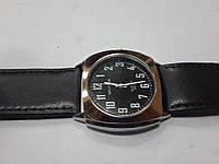 """Кварцевые часы """"Спутник"""" на ремешках 206"""