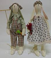 Игрушка Тильда Заяц фермер и Зайка с букетом