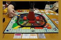 Настольная игра монополия миллионер hasbro,   отличный подарок, окунитесь в мир торговли