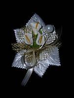 Бутоньерка лилия