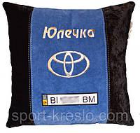 Подушка автомобильная в машину с логотипом toyota тойота