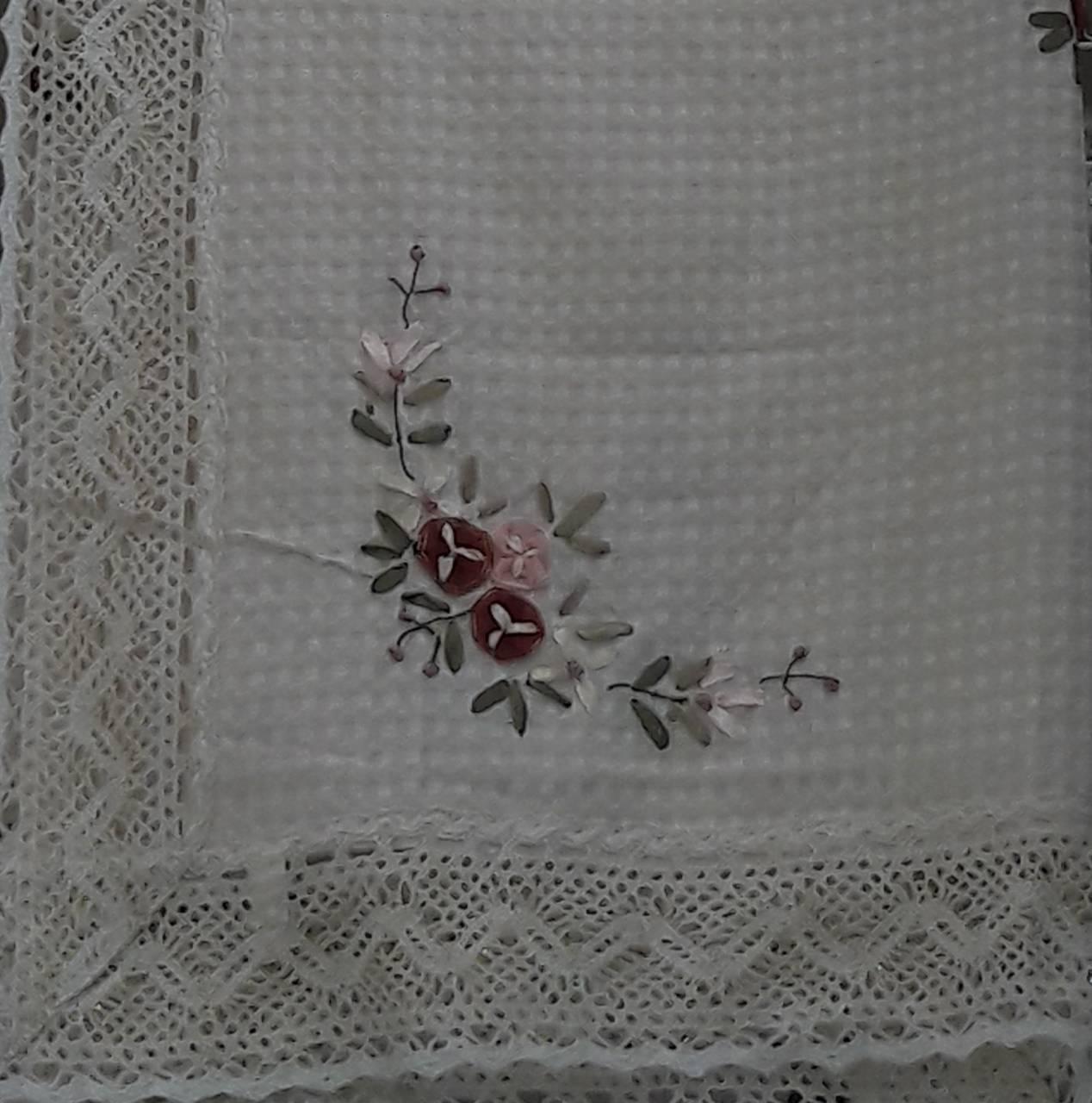 Скатерть льняная вязаная с вышивкой 50