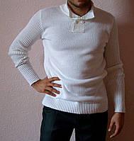 Белый вязаный мужской свитер машинной вязки с воротником поло