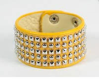 Желтый женский браслет