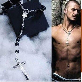 На чем носят крестик мужчины
