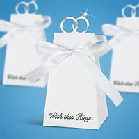 Бонбоньерки белые с кольцами и бантиком, красивые и оригинальные коробочки для конфет