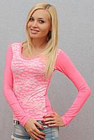 Женская кофта с гипюром розовая