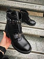 Зимние, стильные  ботинки Натуральная кожа, внутри мех шерсть.