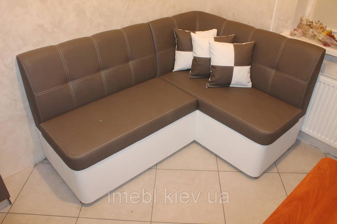 Кутовий кухонний диванчик в коричневому шкір заме